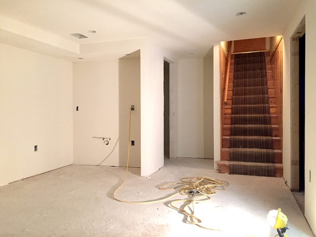 drywall_wet bar hall and stairs